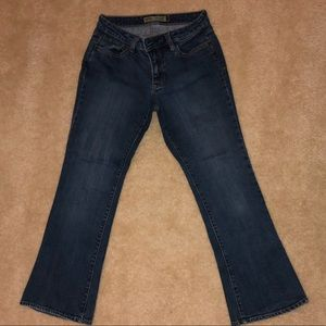 Old Navy Curvy Bootcut Jean Petite